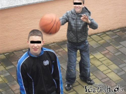 Ball Kopf Aua
