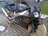 Aufgebocktes Moped