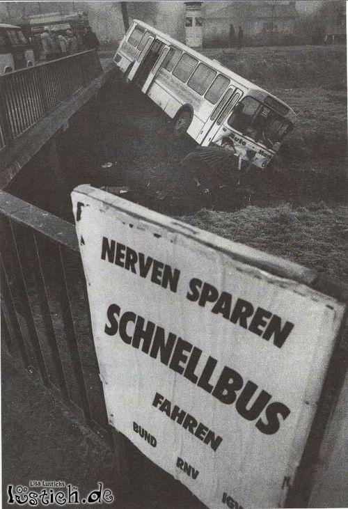 Schnellbus Unfall