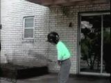 Kind übt Baseballschlag